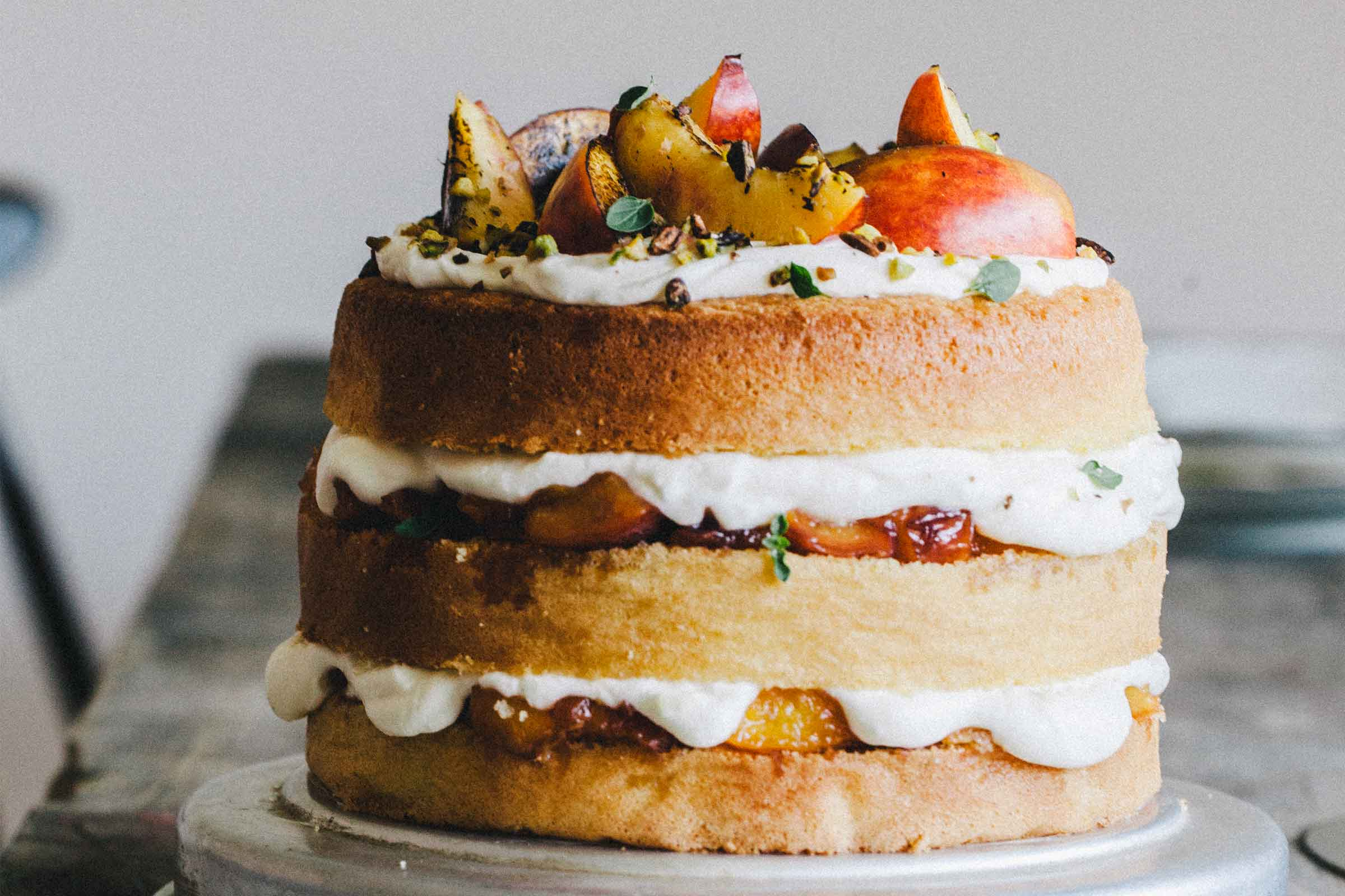 Nectarine Sponge Cake With Yogurt Cream