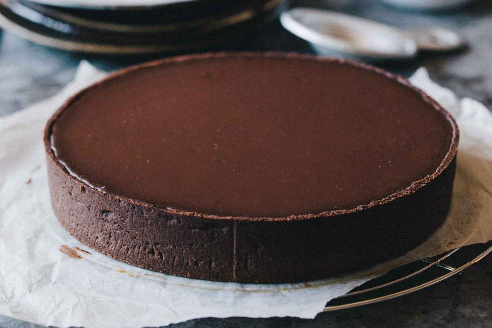 Buckwheat pie with chestnuts, caramel and chocolate