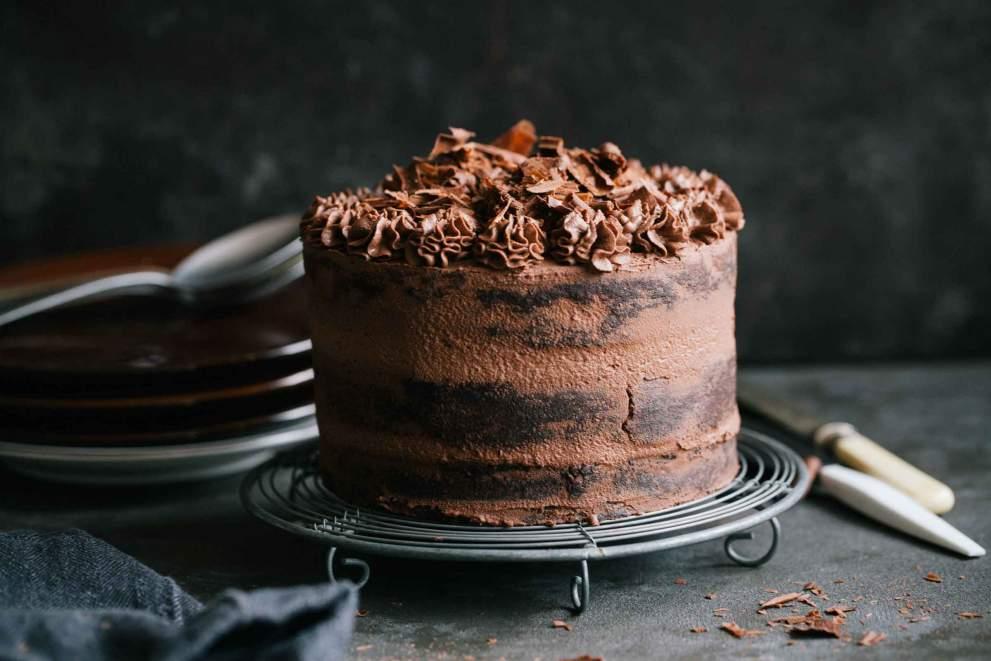 Naked dark chocolate cake with cream cheese