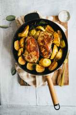Pork chops with apples, quince and sage