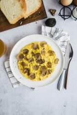 Scrambled eggs with truffles
