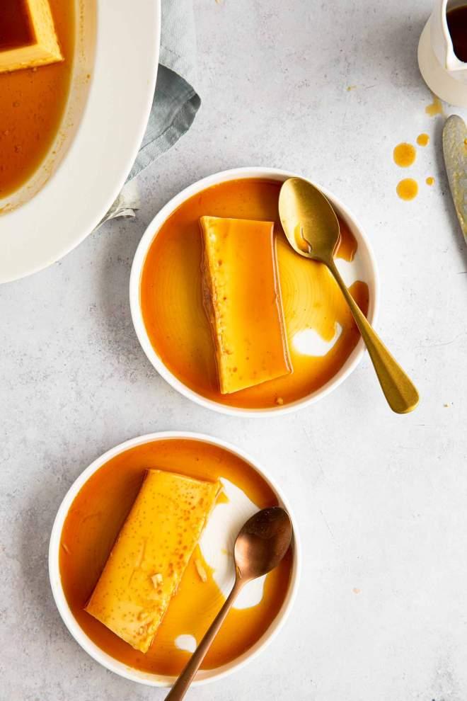 Pečena vanilijeva krema s karamelo (Flan)