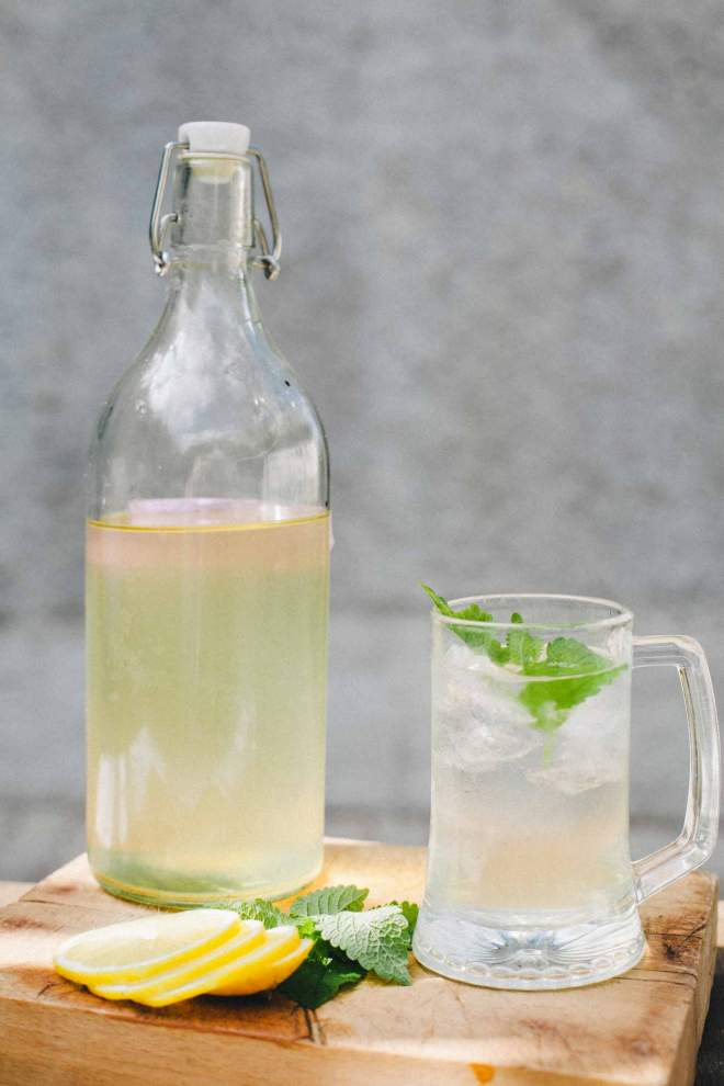 Elderflower cordial in a glass with lemon