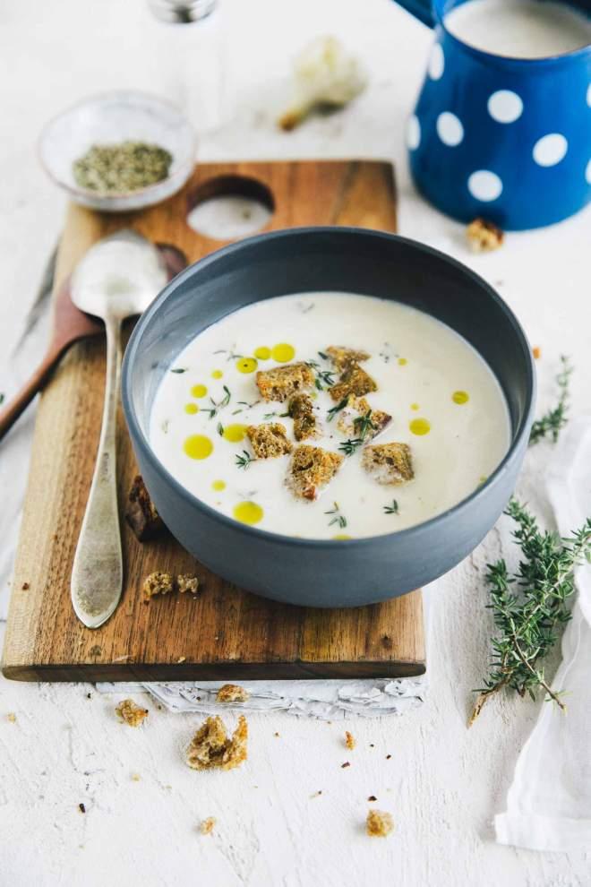 Česnova juha s krutoni