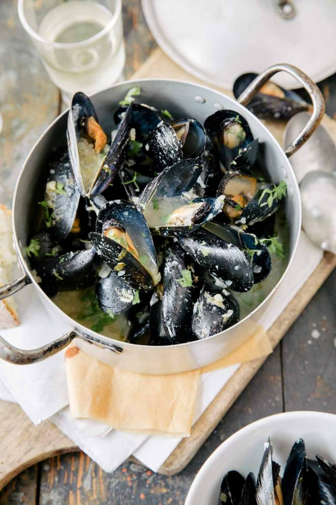 Mussels with Vodka, Garlic and White Wine