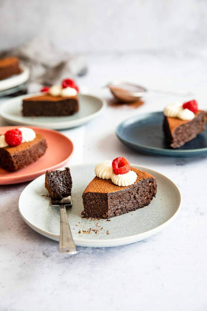One-bowl Chocolate Cake with Raspberries