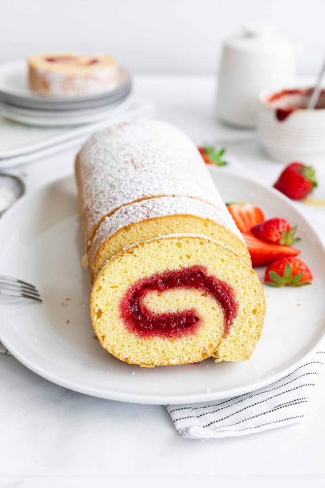 Strawberry Swiss Roll Cake