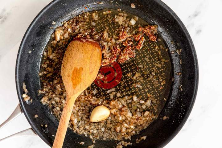 Making Peppercorn Sauce