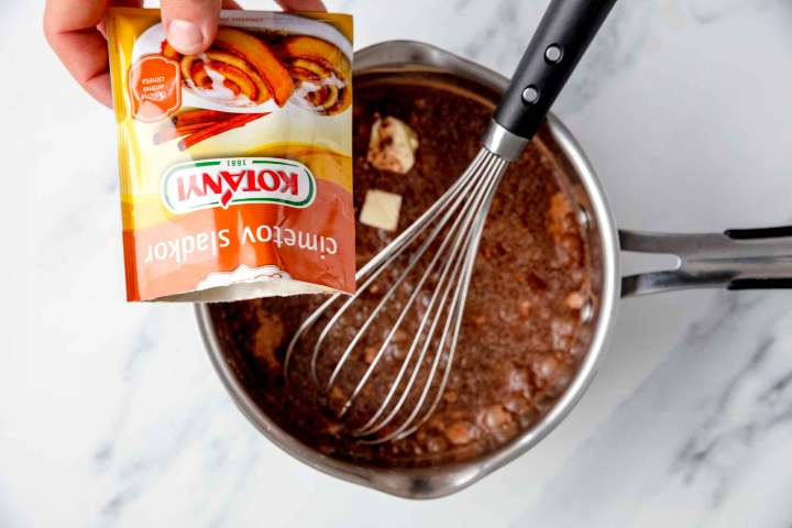Adding cinnamon sugar to the chocolate pudding mixture