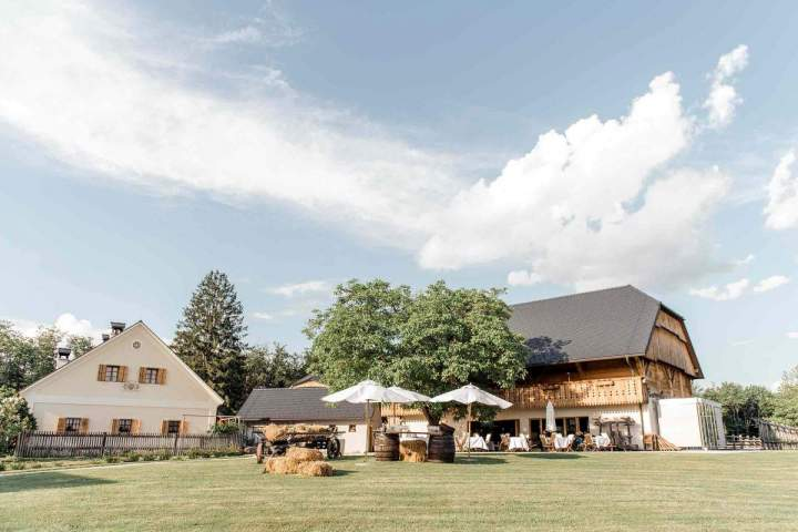 Our intimate spring wedding Pule Estate by jernejkitchen.com