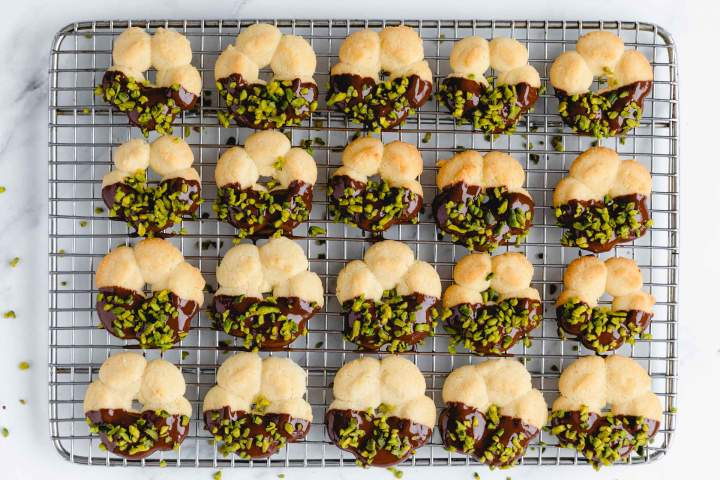 Spritz cookies with Chocolate and Pistachios
