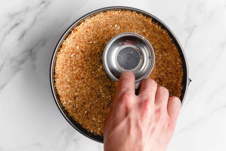 Podloga za Najboljši jagodni cheesecake (sirova torta)