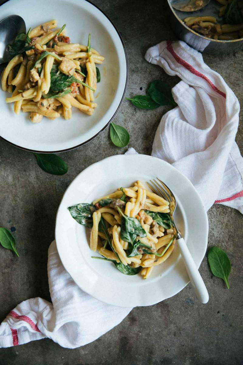 Chicken florentine pasta with baby spinach