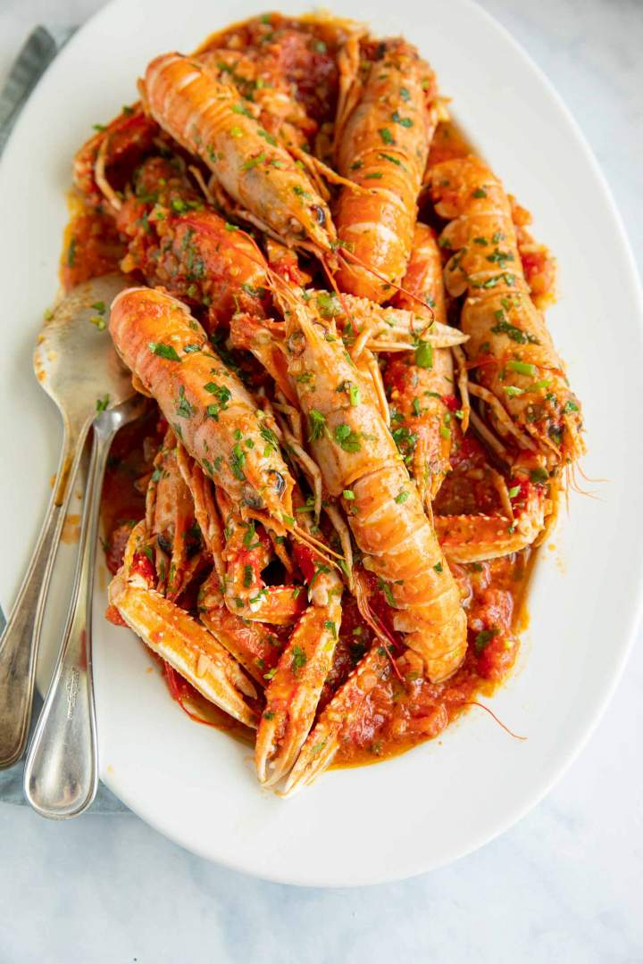 Easy Shrimp Scampi with White Wine Tomato Sauce (Busara sauce)