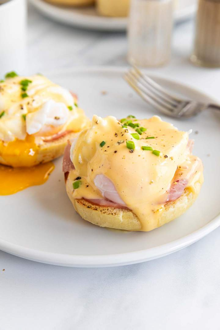 The Best Eggs Benedict for two for breakfast or brunch