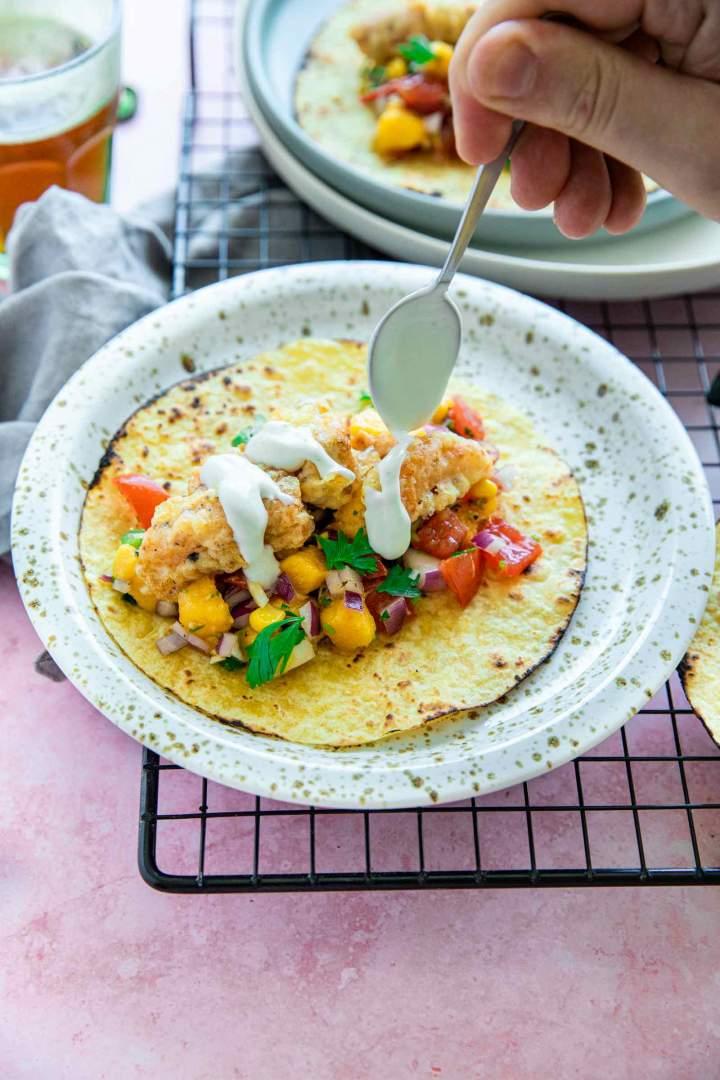 Ribji Tacosi z Mango Salso