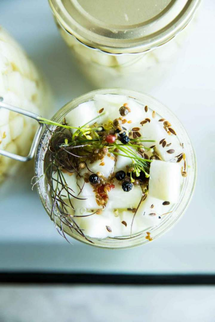 Crunchy and Fresh Pickled Kohlrabi