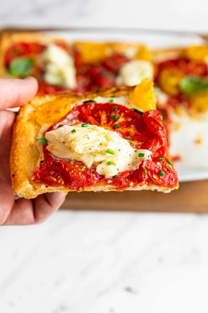 Puff Pastry Tomato Tart with Mozzarella easy and delicious