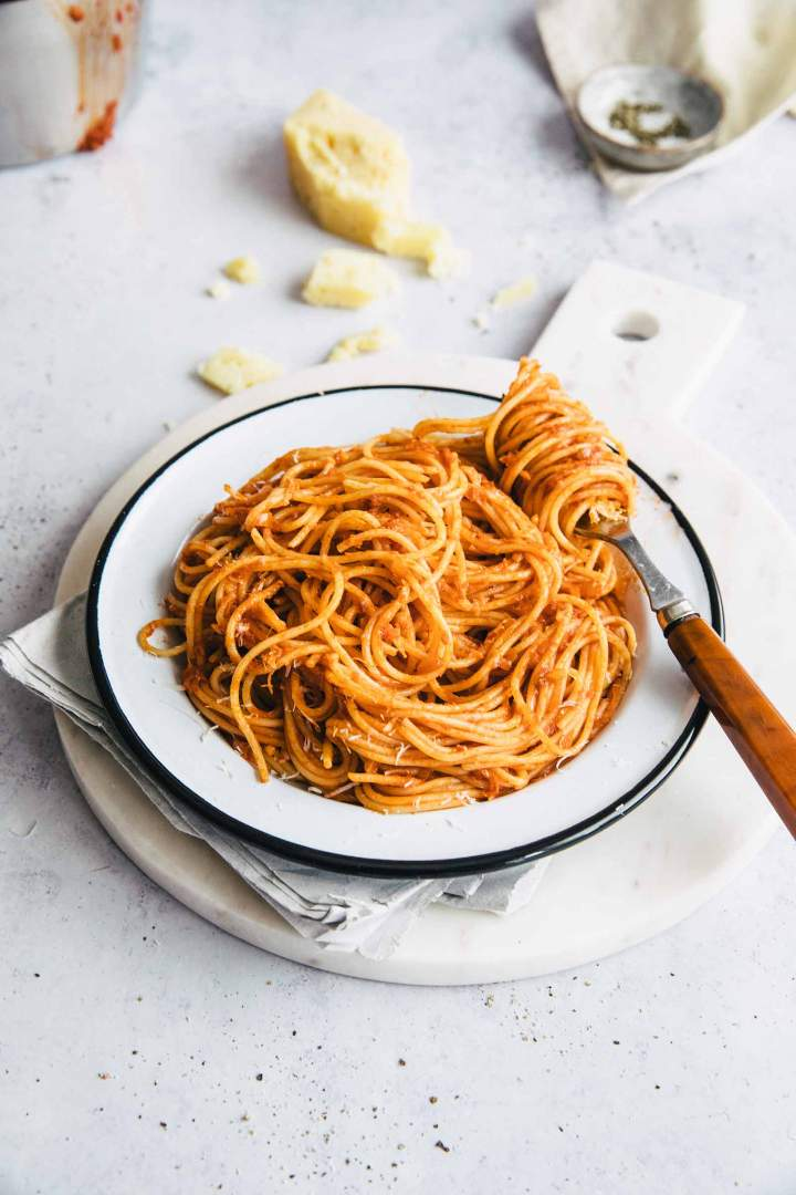 Spaghetti Marinara (Easy Tomato Pasta Sauce)