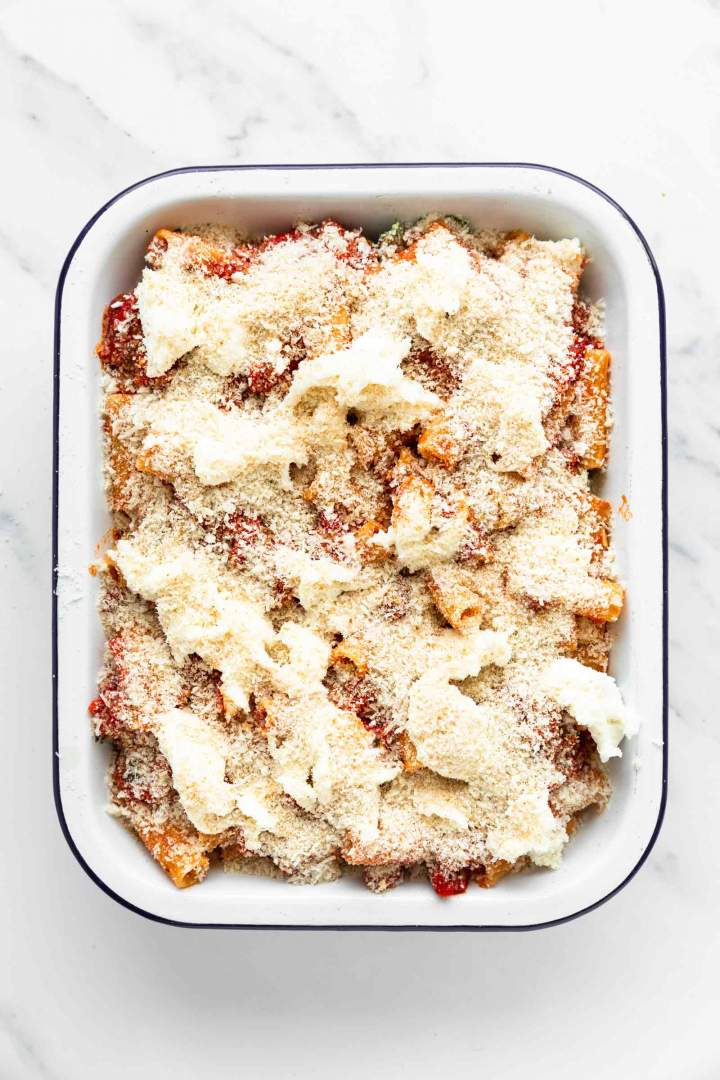 Spinach and Ricotta Pasta Bake with crispy topping