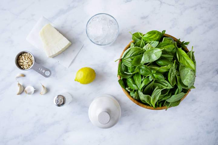 Ingredients for Spinach Basil Pesto Sauce