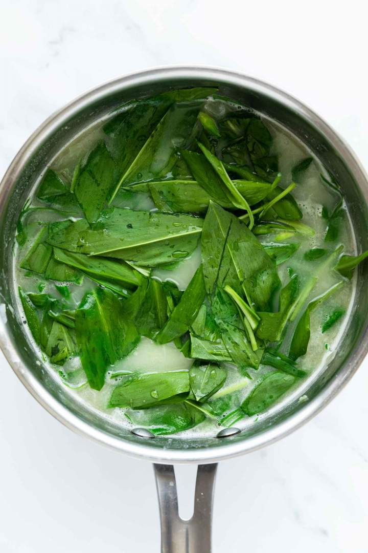 Wild Garlic Soup (Ramson) cooking