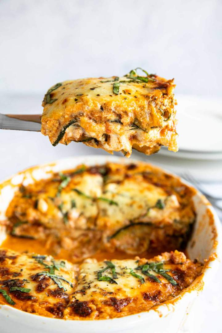 Low-carb Zucchini Lasagna with Ground Beef and Cheese Sauce